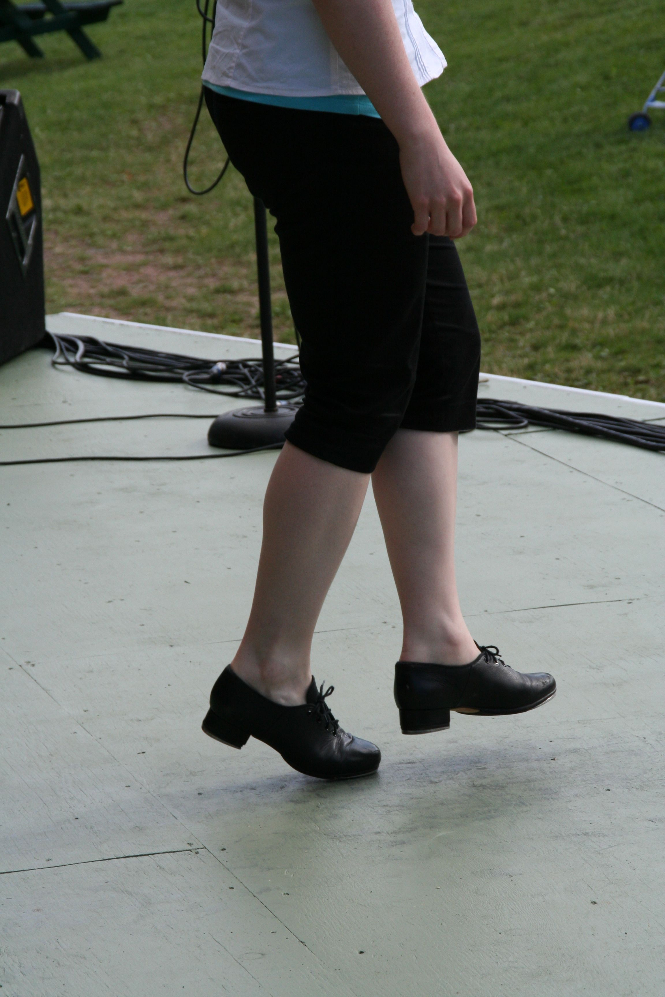 Traditional Step-Dancing at Highland Village Day concert